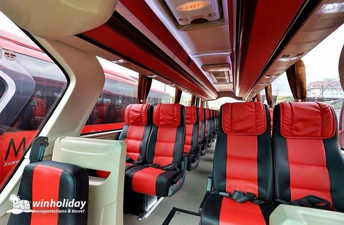Bus pariwisata manhattan 29 seats tampak depan Terbaru- Winholiday