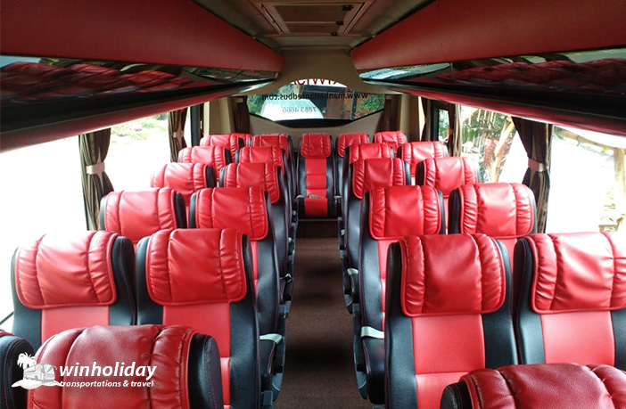 Interior Medium Bus Pariwisata Manhattan 29 seats